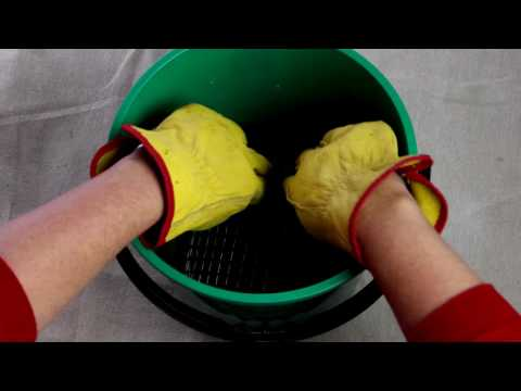 How to clean a paint brush - d.i.y. at bunnings